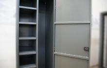 Дверь установленная на шкаф тип А-Ф