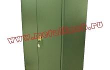 Металлический большой шкаф (Вид сбоку)