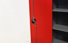 Фотография ригельной системы металлического шкафа ШИП-10