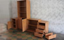 Фото комплекта офисной мебели в открытом виде