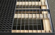 Металлическая основа решетки для чистки обуви
