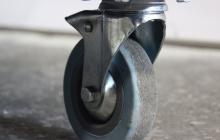 Фото поворотного колеса диагностической тележки ТДМ-1
