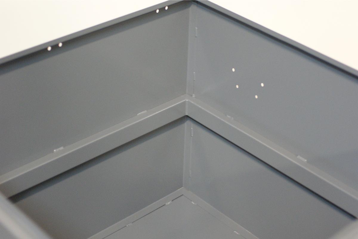 Внутреннее устройство металлического ящика
