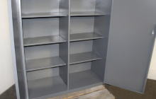 Металлические полки шкафа 04-02