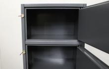 Фотография секции металлического шкафа