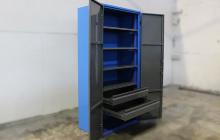 Инструментальный шкаф с выдвижными ящиками