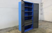 Шкаф инструментальный с полками и ящиками
