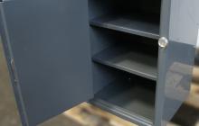 Полки шкафа металлического (маленького)