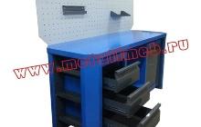 Двухтумбовый слесарный стол с выдвижными ящиками и полкой