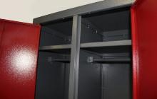 Фотография металлических полок шкафа ШОМ-01-02