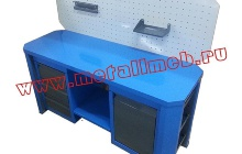 Двухтумбовый слесарный стол с перфорированным экраном (вид сверху)
