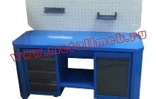 Фотография двухтумбового слесарного стол с экраном (вид спереди)