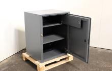 Фото сейфа металлического в открытом виде
