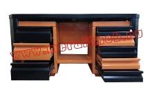 Двухтумбовый слесарный стол с открытыми ящиками (вид сбоку)